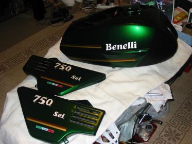 Benelli 750 sei 76 model restoration.-candy-green.jpg