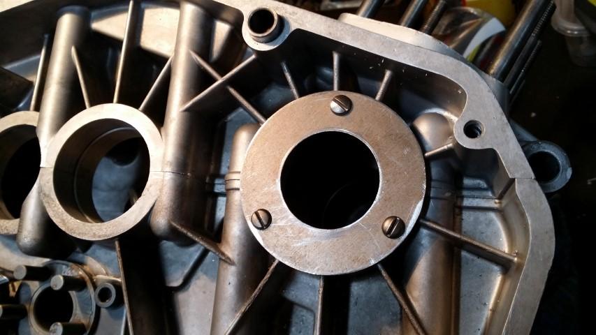 Benelli 2C: Crankshaft seal fix-crank-seal-rhs_s.jpg