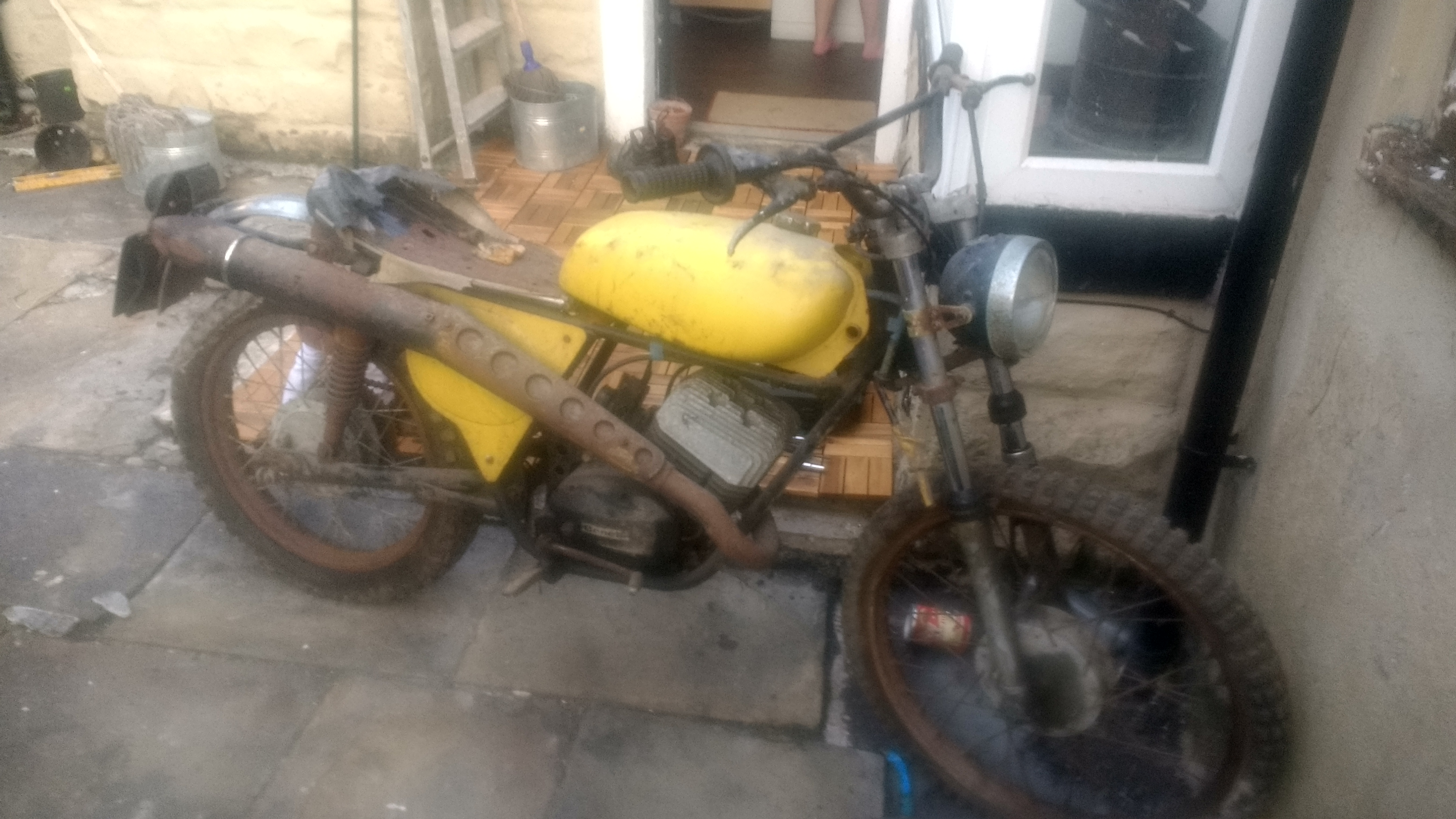 benelli 125 cross project parts help please-img_20170522_203428540_hdr%5B1%5D.jpg