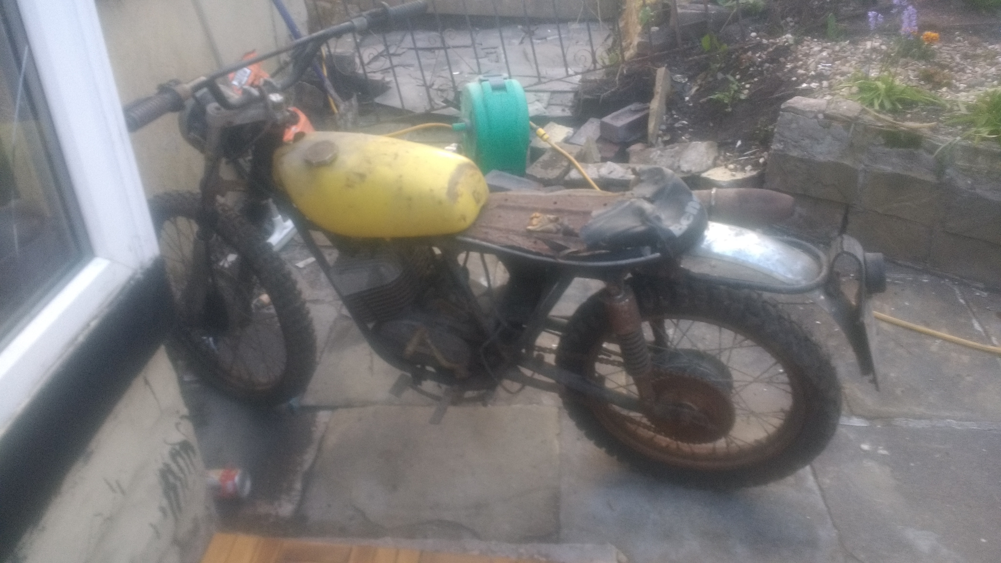 benelli 125 cross project parts help please-img_20170522_203443999_hdr%5B1%5D.jpg