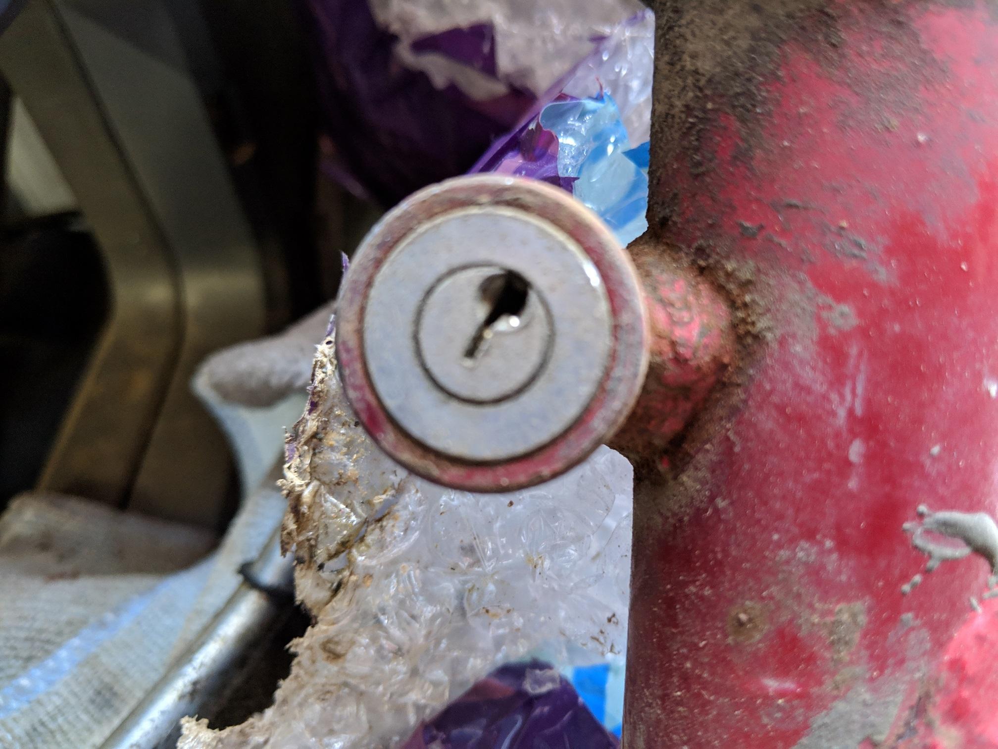 New here, Benelli Dynamo steering lock removal?-img_20190327_125722.jpg