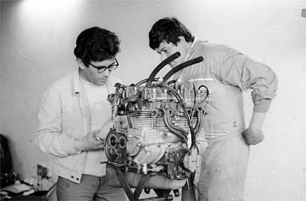 500 quattro 4 valve cyl. head-renzopasolinigiancarlocecchini.jpg